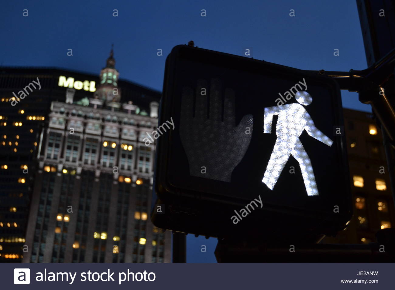Crossing Park ave - Stock Image