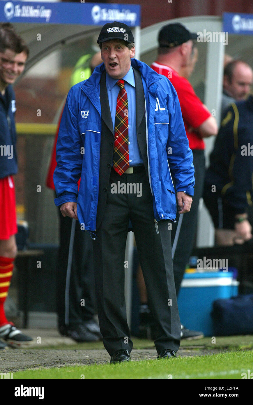 JOHN LAMBIE PARTICK THISTLE MANAGER FIRHILL GLASGOW SCOTLAND 03 August 2002 - Stock Image