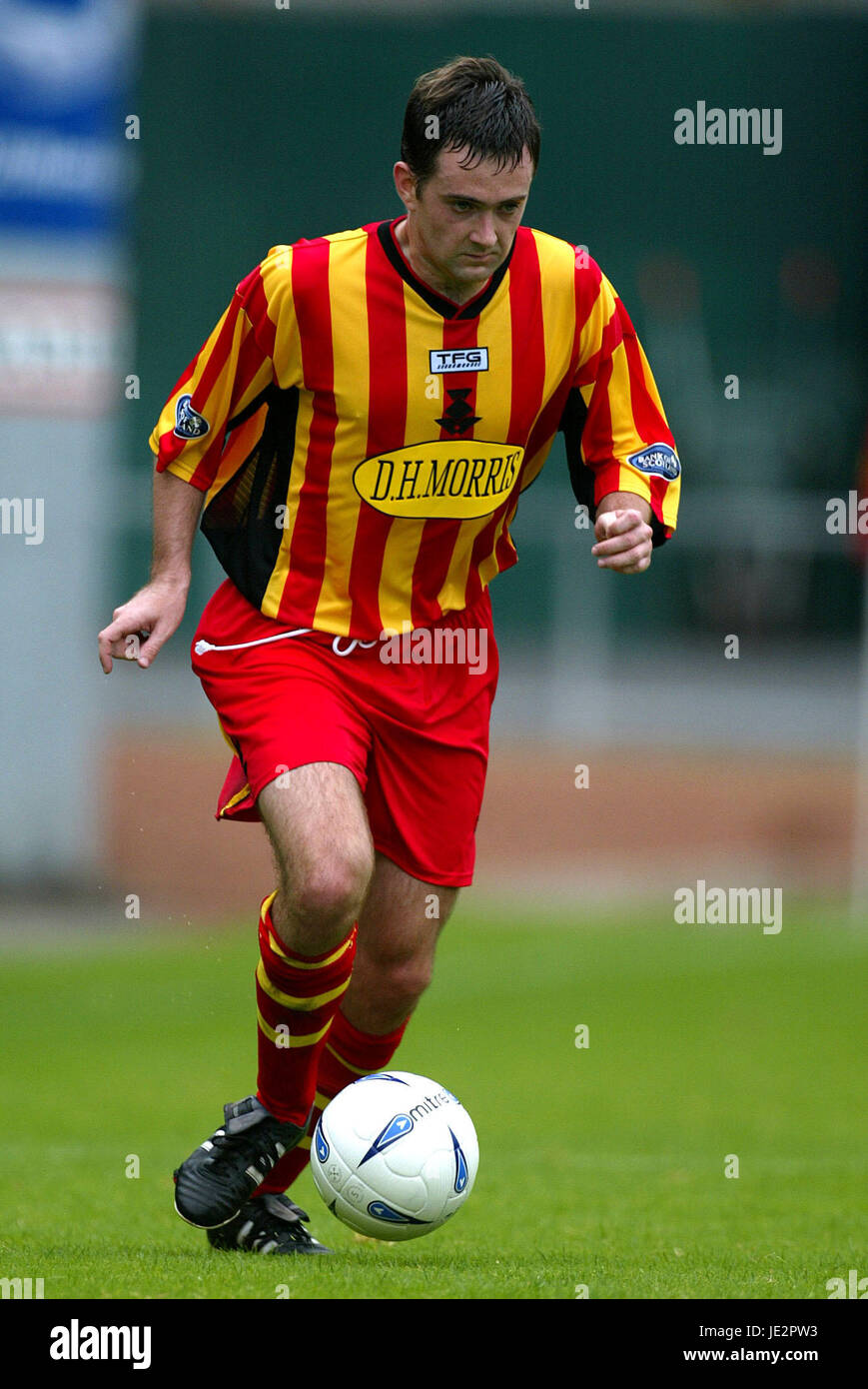 JAMES MCKINSTRY PARTICK THISTLE FC FIRHILL GLASGOW SCOTLAND 03 August 2002 - Stock Image