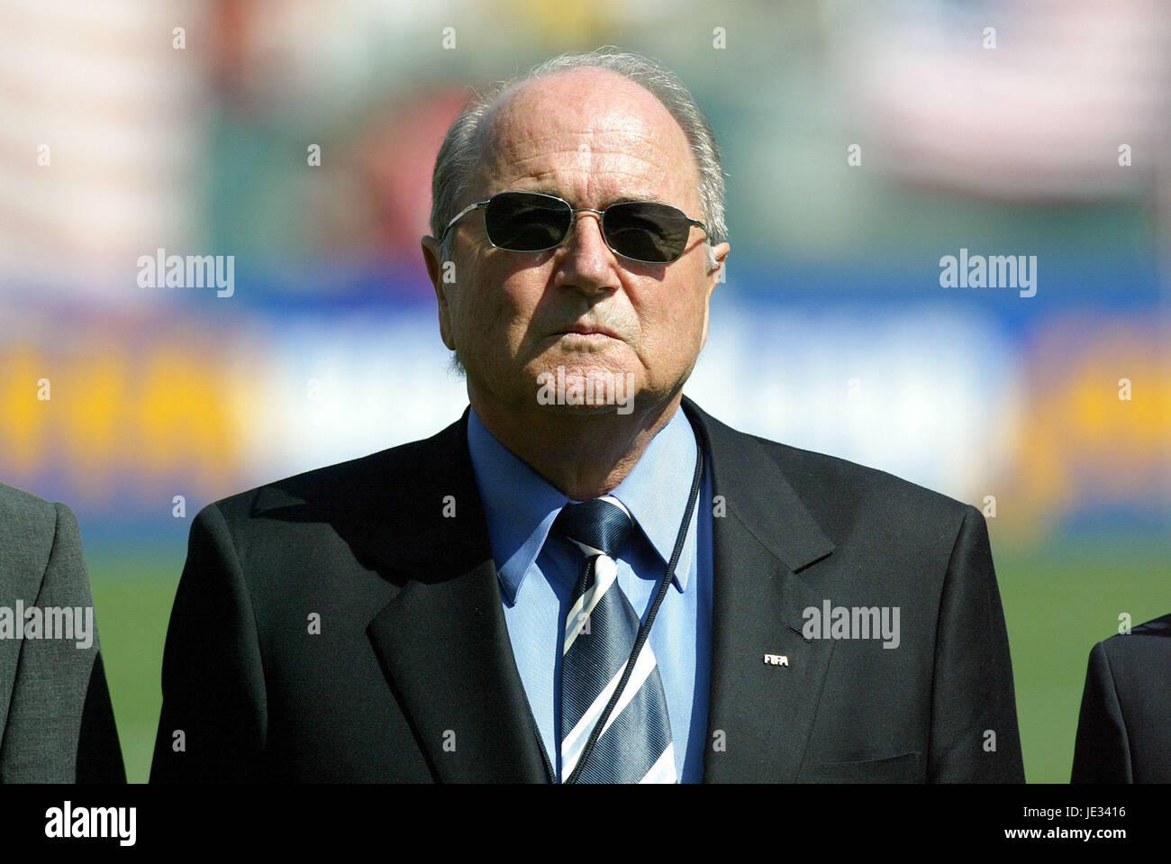 SEPP BLATTER FIFA PRESIDENT CARSON LOS ANGELES USA 11 October 2003 - Stock Image