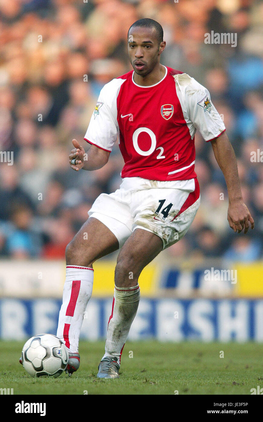 grabadora Servicio fósil  THIERRY HENRY ARSENAL FC REEBOK STADIUM BOLTON 22 February 2003 Stock Photo  - Alamy