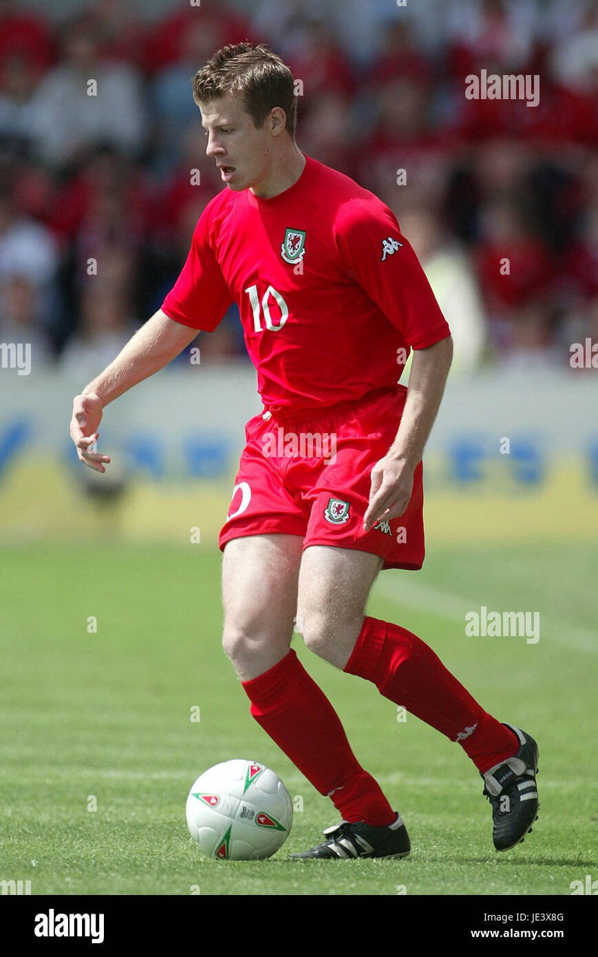 PAUL PARRY WALES & CARDIFF CITY RACECOURSE FROUND WREXHAM WALES 30 May 2004 - Stock Image