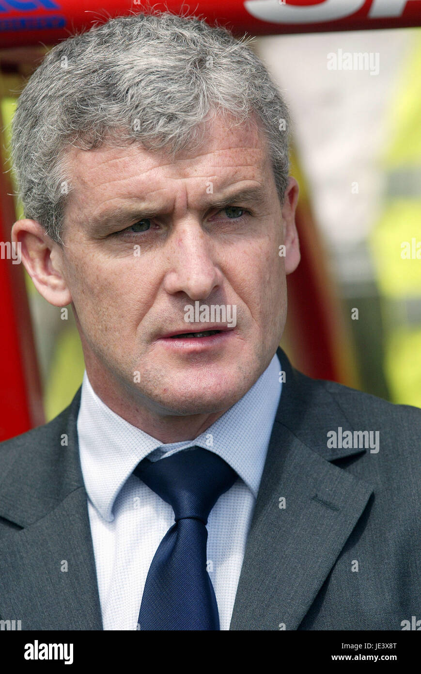MARK HUGHES WALES MANAGER RACECOURSE FROUND WREXHAM WALES 30 May 2004 - Stock Image