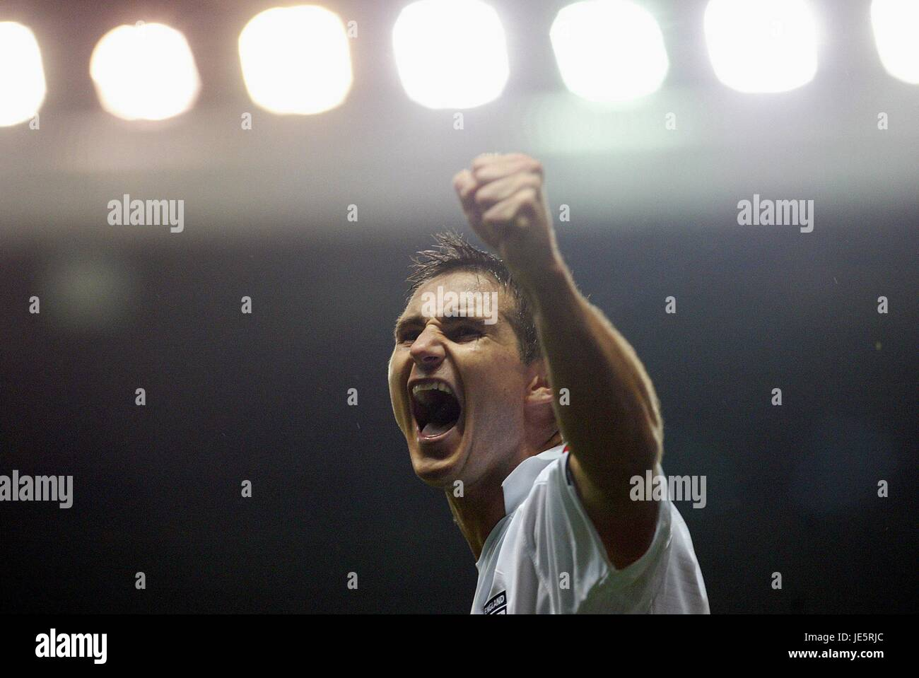 LAMPARD CELEBRATES ENGLAND V POLAND 12 October 2005 - Stock Image