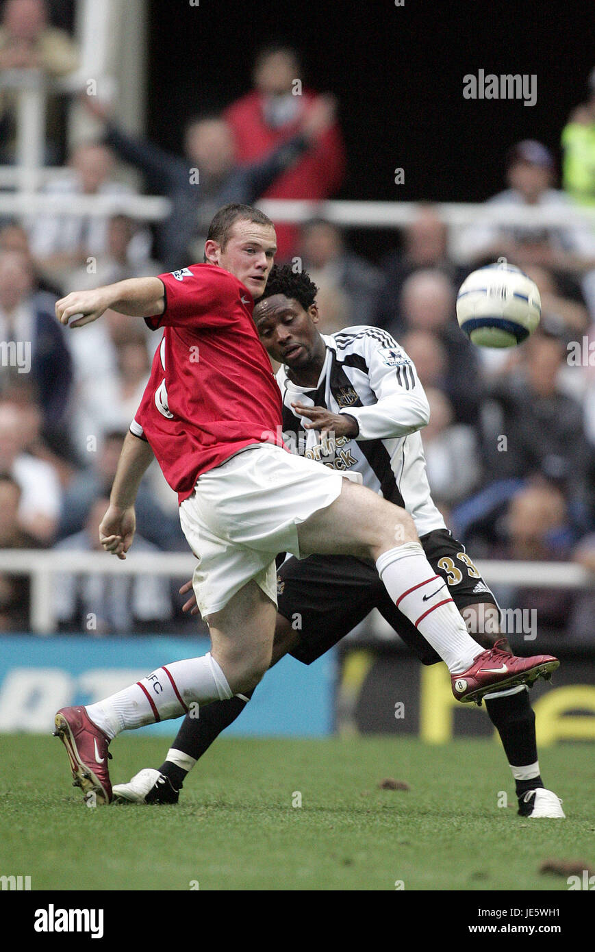 WAYNE ROONEY , CELESTINE BABAYARO, NEWCASTLE V MANCHESTER UNITED, NEWCASTLE V MANCHESTER UNITED, 2005 - Stock Image