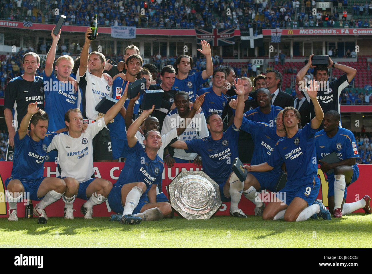 CHELSEA WITH COMMUNITY SHEILD FA COMMUNITY SHIELD WINNERS THE MILLENNIUM STADIUM CARDIFF WALES 07 August 2005 - Stock Image