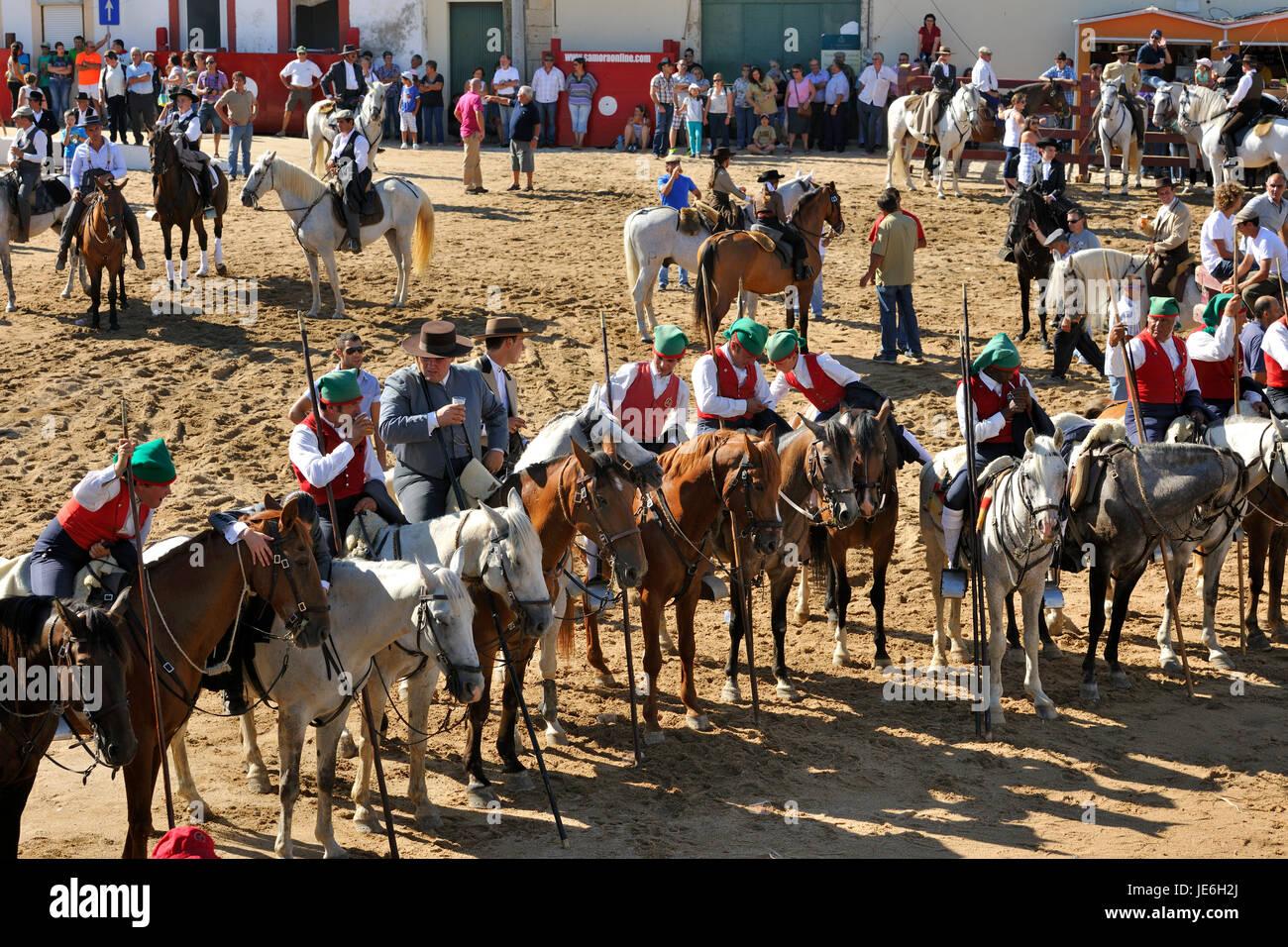 """Wild bulls herdsmen, the """"campinos"""". Samora Correia, Ribatejo. Portugal Stock Photo"""