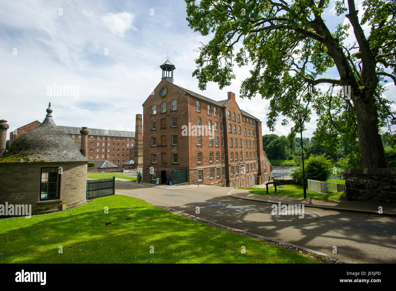 Stanley Mills, Perthshire, Scotland. Historic water powered cotton mill on the banks of the River Tay. - Stock Image