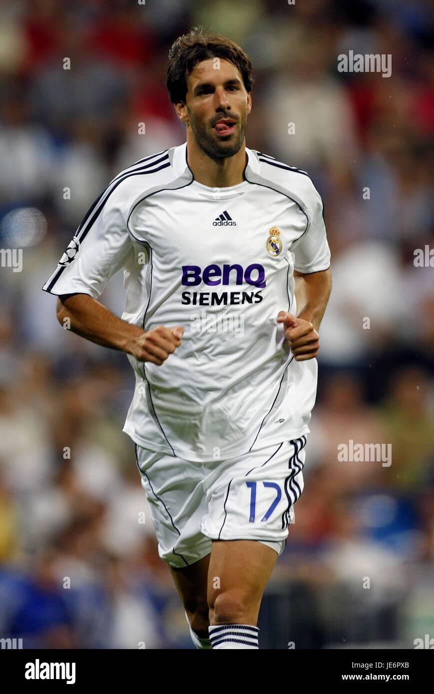 buy online 38571 89258 RUUD VAN NISTELROOY REAL MADRID CF THE BERNABEU MADRID SPAIN ...