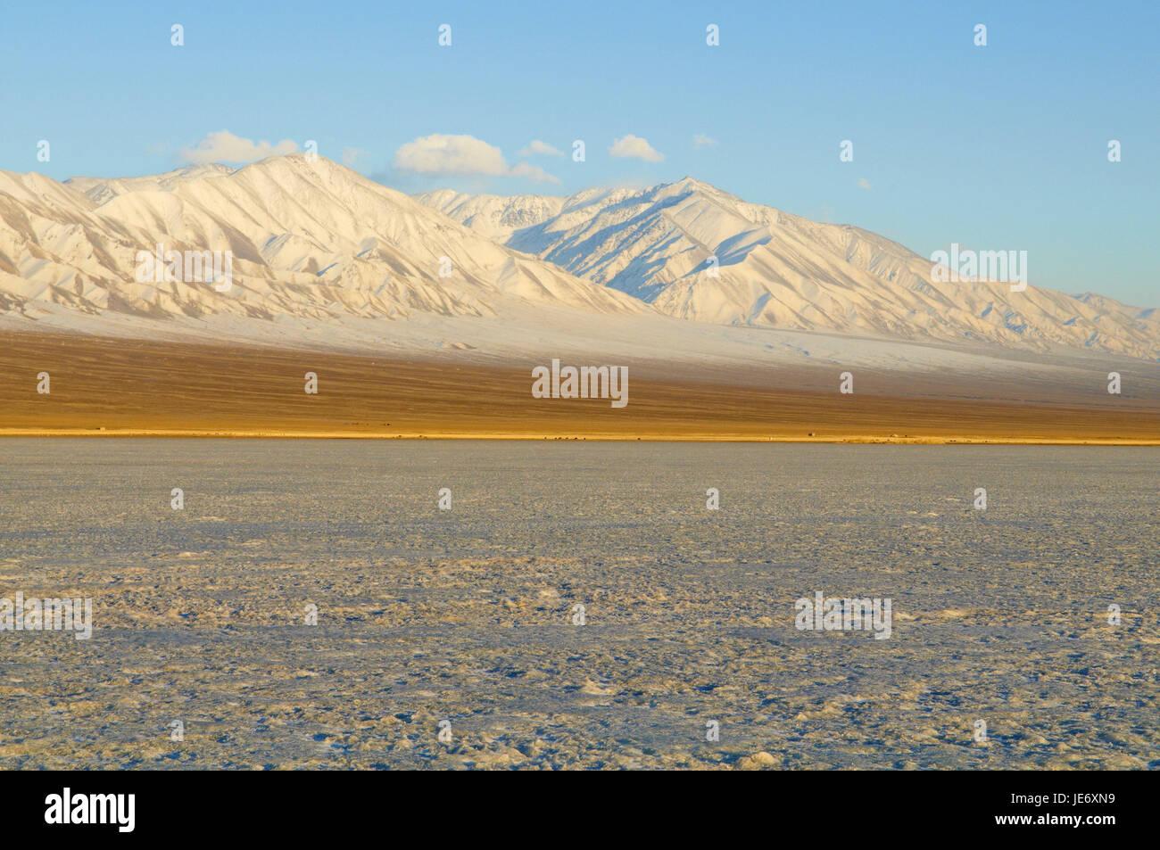 Mongolia, Khovd province, winter scenery, icebound lake, - Stock Image