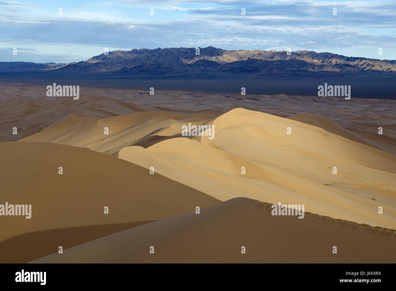 Mongolia, Central Asia, Gobi Gurvansaikhan national park, southern Gobi province, desert, dunes of Khongoryn of - Stock Image