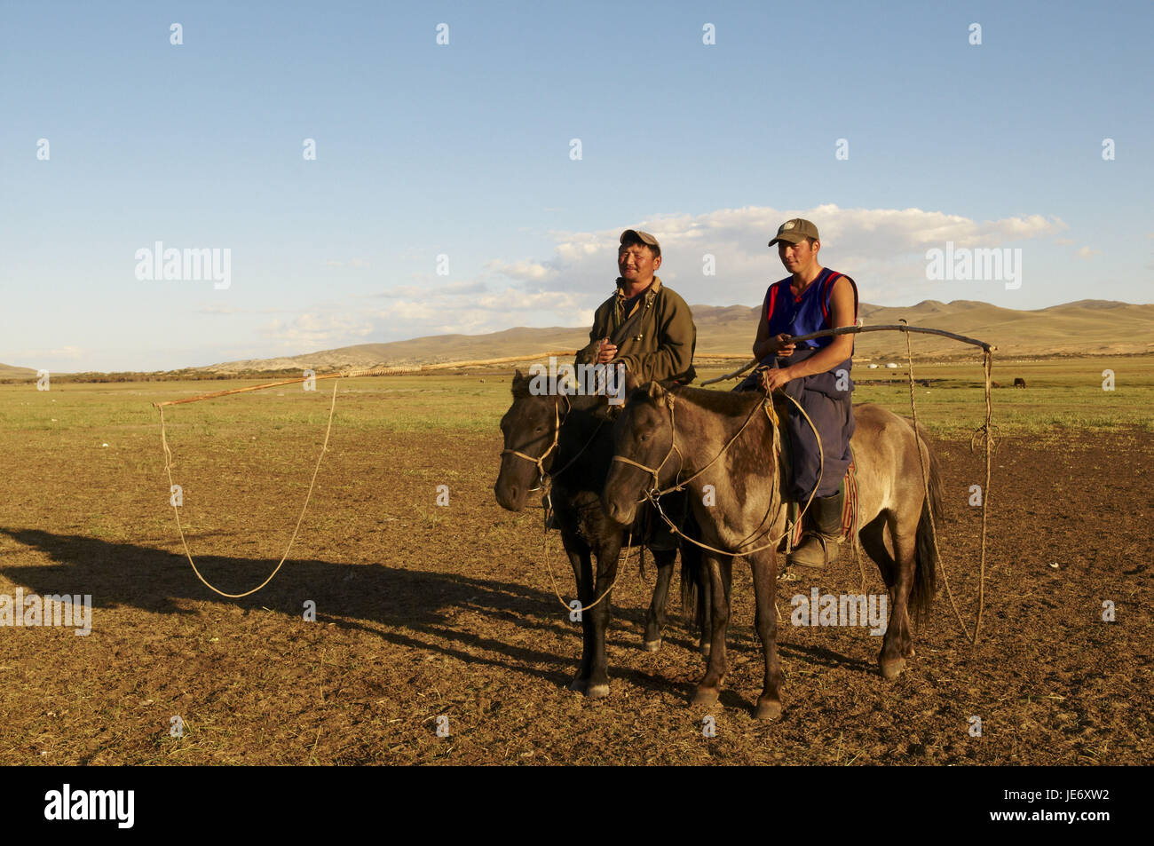 Mongolia, Central Asia, Arkhangai province, nomad, bleed, men with Urga, - Stock Image