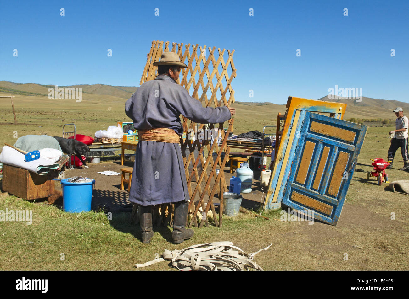 Mongolia, Central Asia, Arkhangai province, nomad, support, Jurte break down, - Stock Image