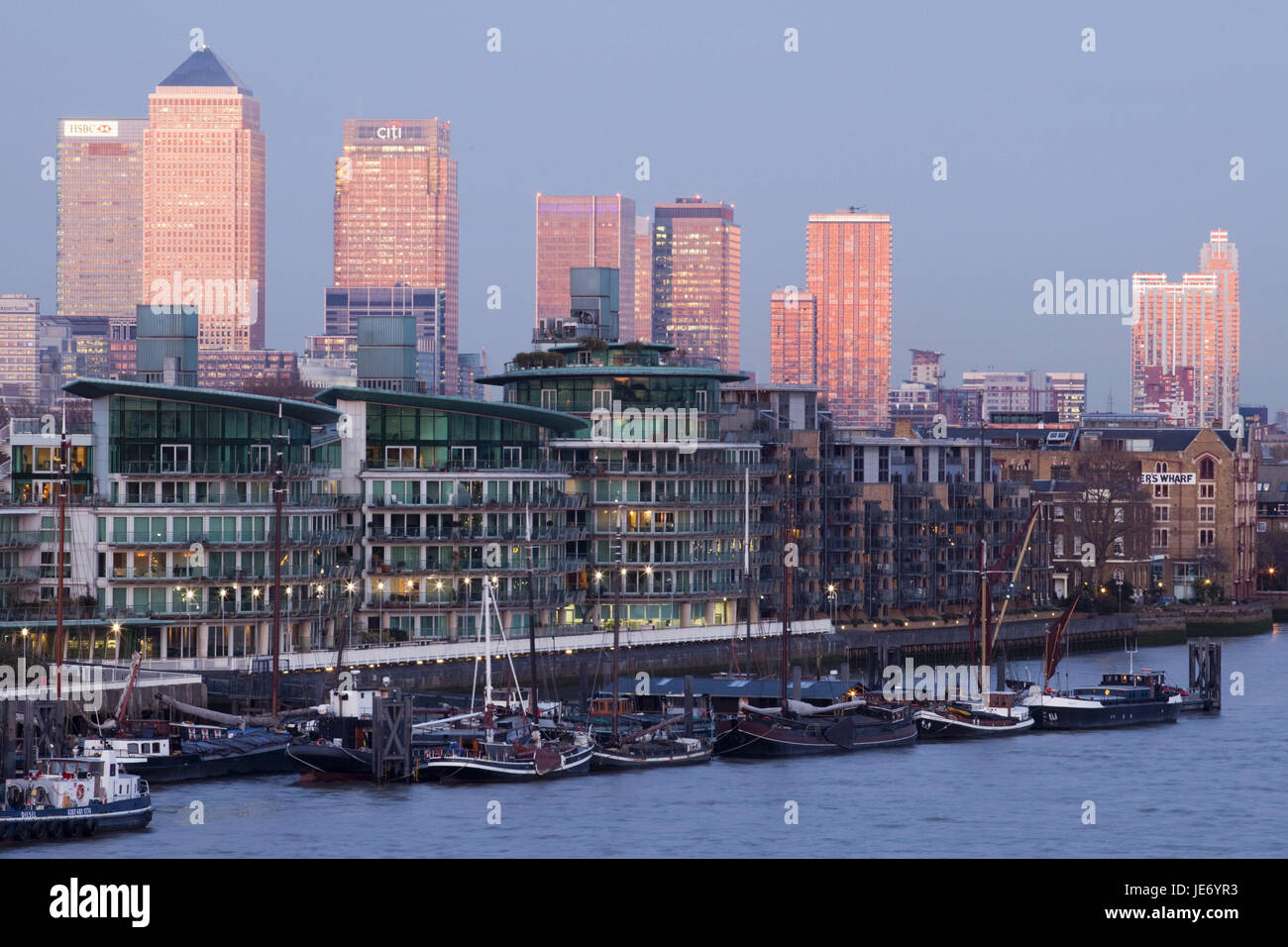 England, London, dock country, Canary Wharf, harbour, boats, UK, GB, part of town, houses, high rises, office buildings, - Stock Image
