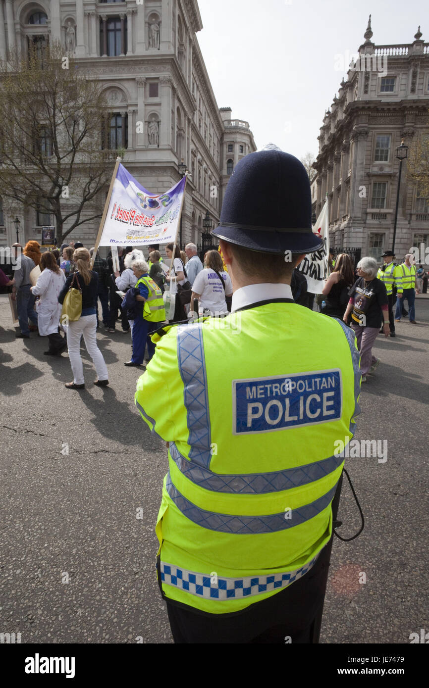England, London, demonstration, policeman, person, demonstrate, demonstrators, headgear, helmet, protection, peacefully, - Stock Image