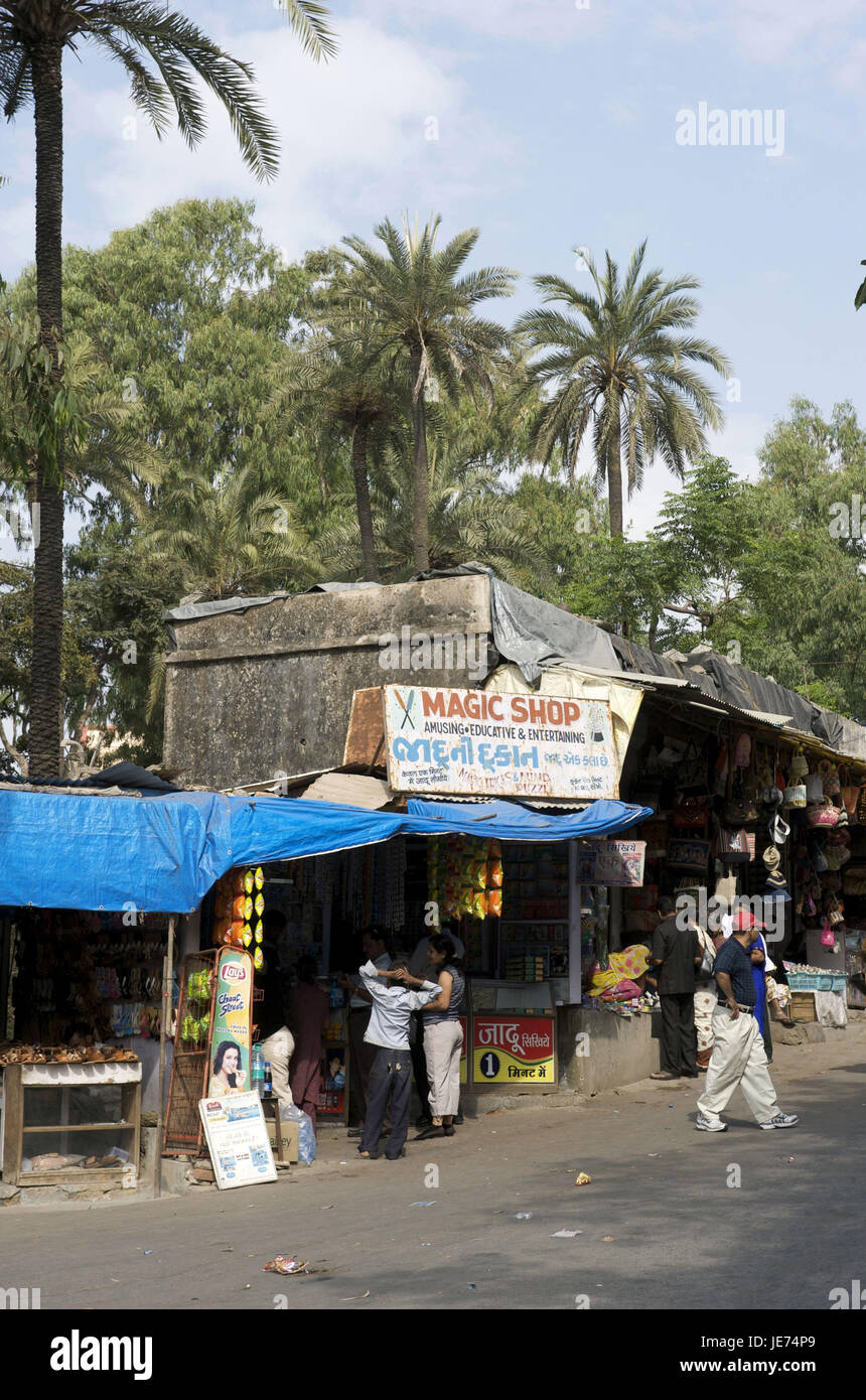 India, Rajasthan, Mount Abu, shops and people, Stock Photo
