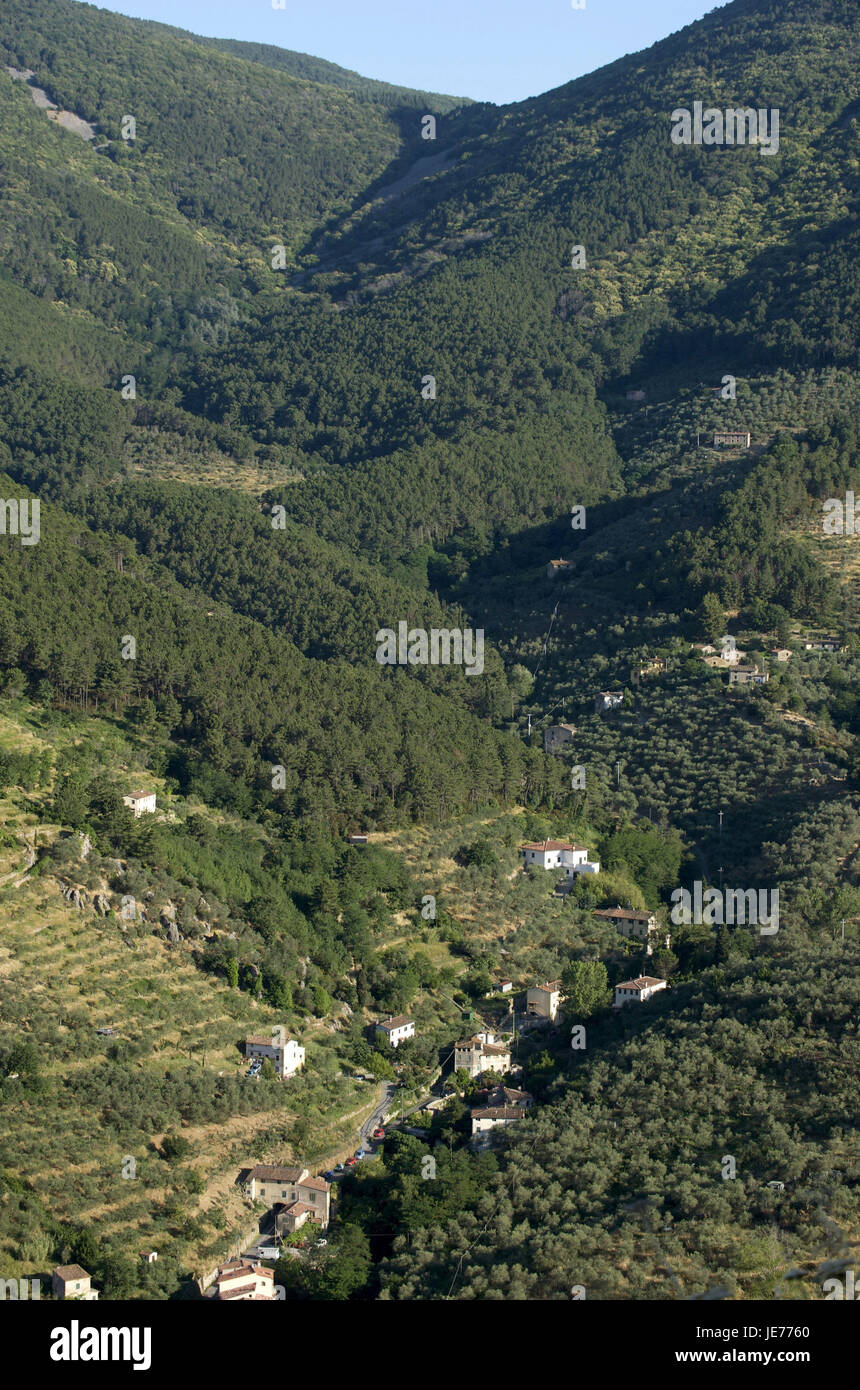 Italy, Tuscany, Monte Pisano, Buti in the valley, mountainsides wooded, - Stock Image