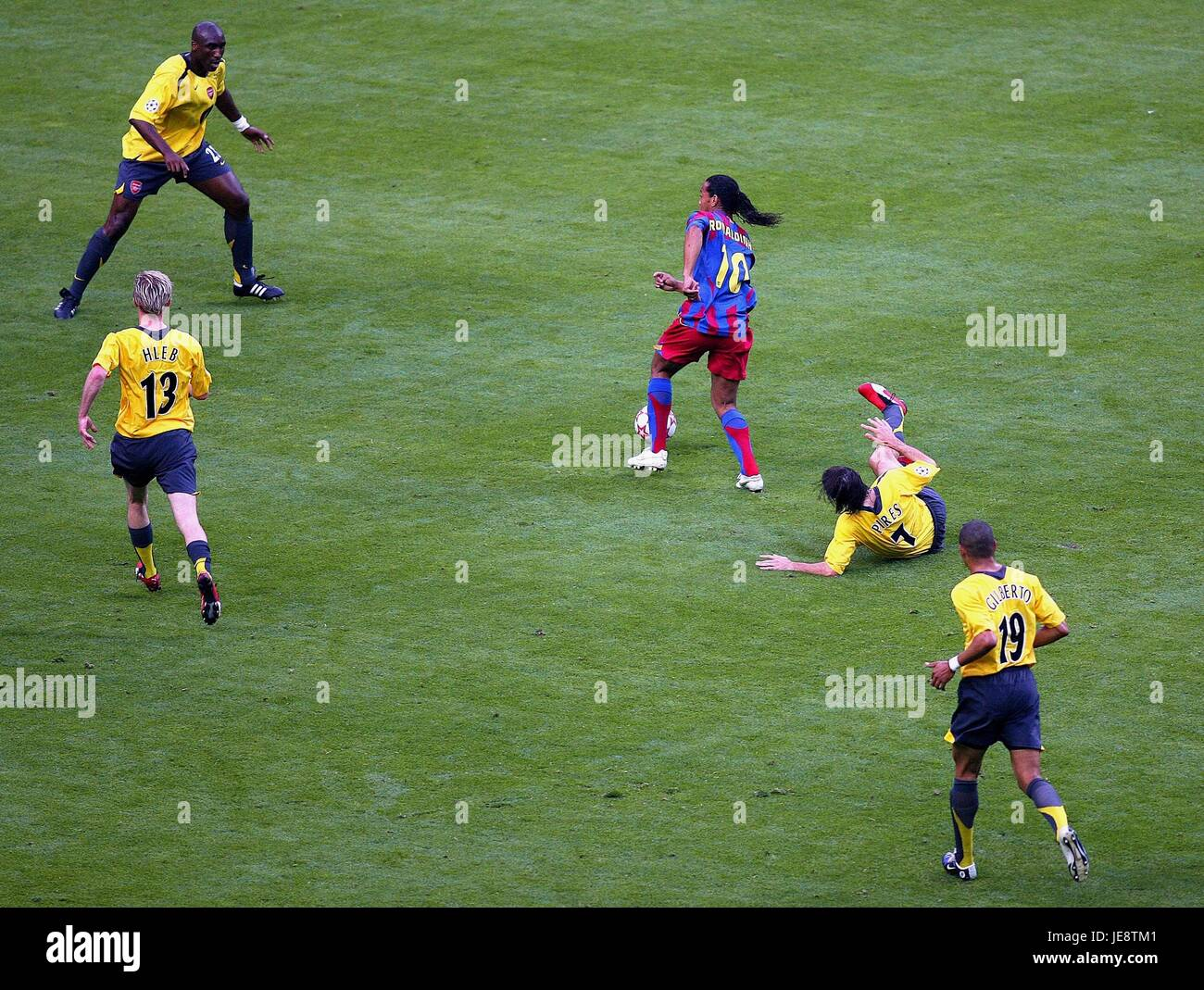 CAMPBELL RONALDINHO & PIRES FC BARCELONA V ARSENAL STADE DE FRANCE PARIS FRANCE 17 May 2006 - Stock Image
