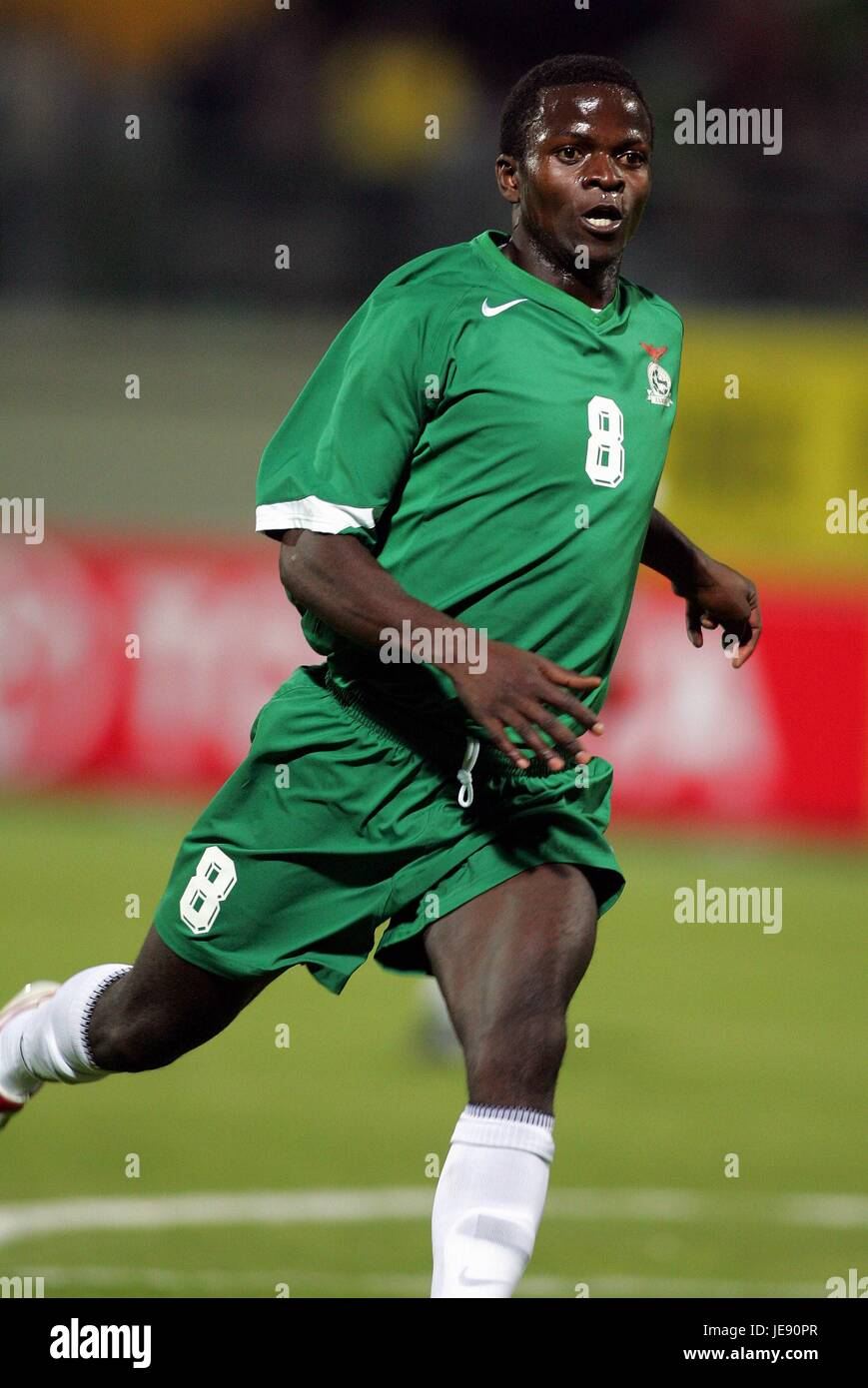 ISAAC CHANSA ZAMBIA BORDER STADIUM ALEXANDRIA EGYPT 26 January 2006 - Stock Image