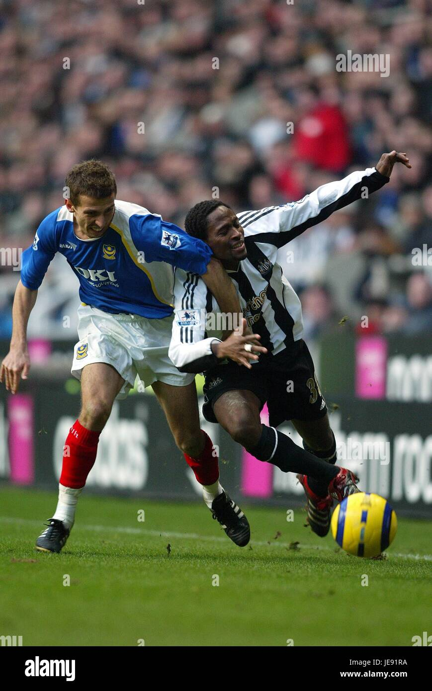 GARY O'NEIL CELESTINE BABAYARO NEWCASTLE UTD V PORTSMOUTH ST JAMES PARK NEWCASTLE ENGLAND 04 February 2006 - Stock Image