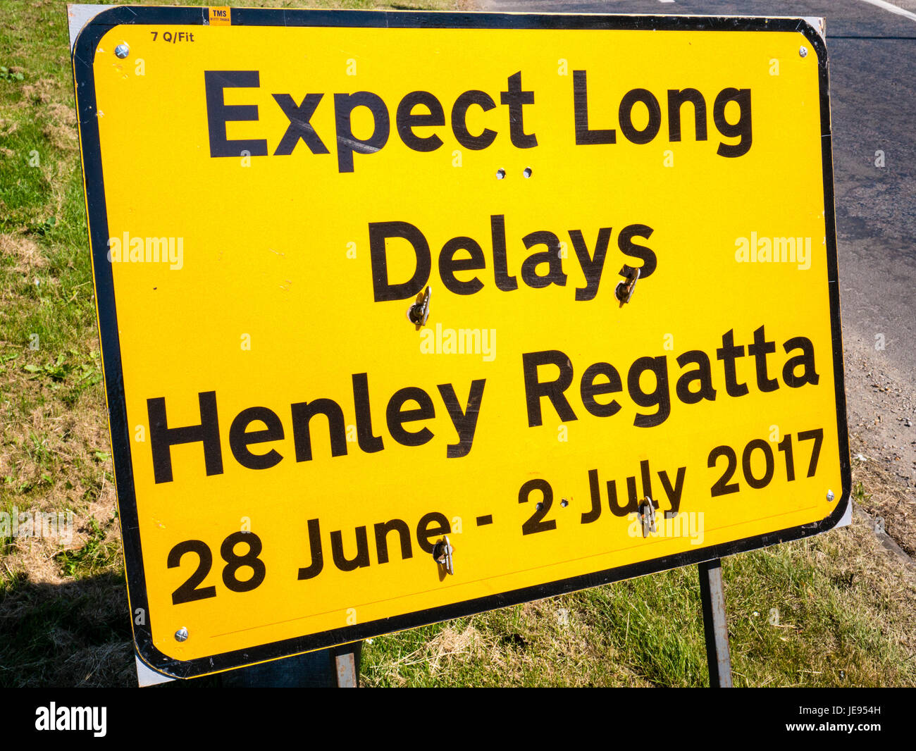 Expect Long Delays Road Sign, Henley-on-Thames, Oxfordshire, England - Stock Image