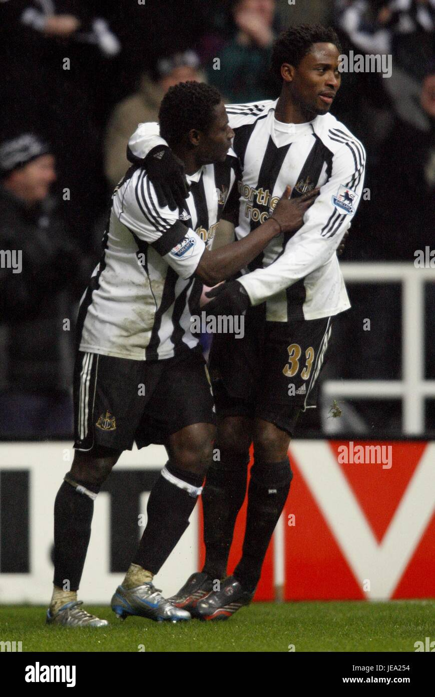 O MARTINS & CELESTINE BABAYARO NEWCASTLE V LIVERPOOL ST JAMES PARK NEWCASTLE ENGLAND 10 February 2007 - Stock Image