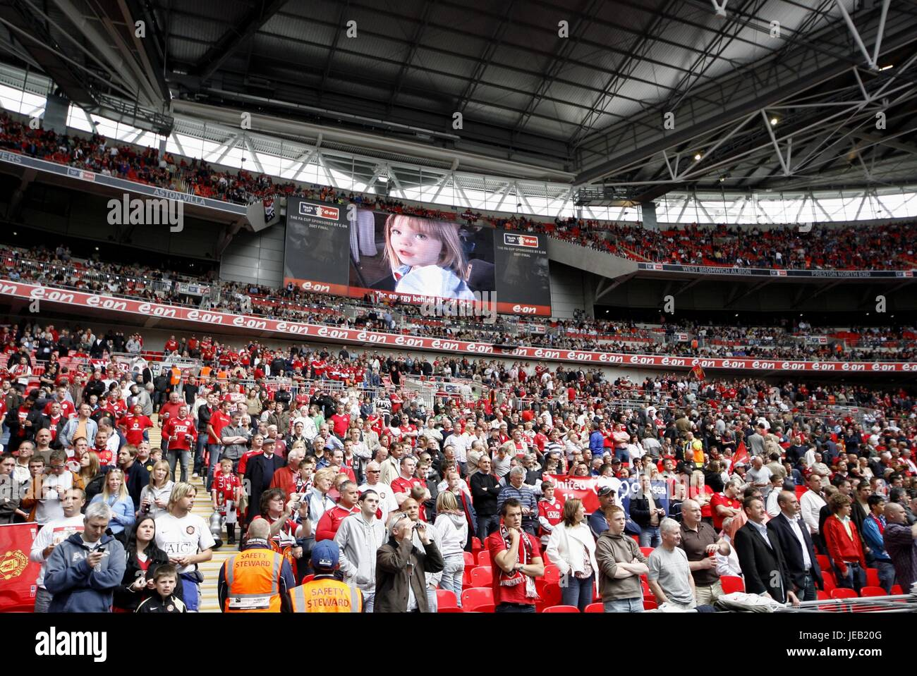 MADELEINE MCCANN APPEAL CHELSEA V MANCHESTER UNITED WEMBLEY STADIUM LONDON ENGLAND 19 May 2007 - Stock Image