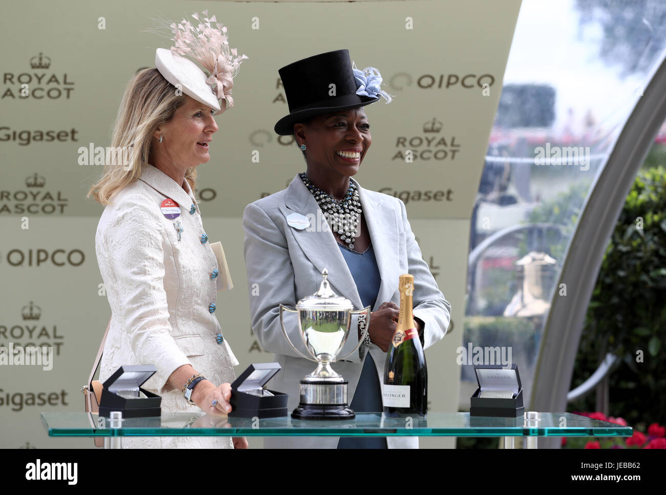 Sophie Weatherby (left) and Baroness Floella Benjamin (right) present the trophy for The Commonwealth Cup during Stock Photo
