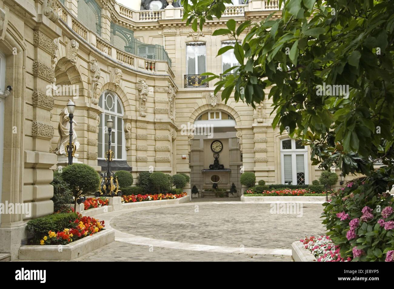 France  Paris  Parc Monceau  Hotel Meunier  Facade  Inner