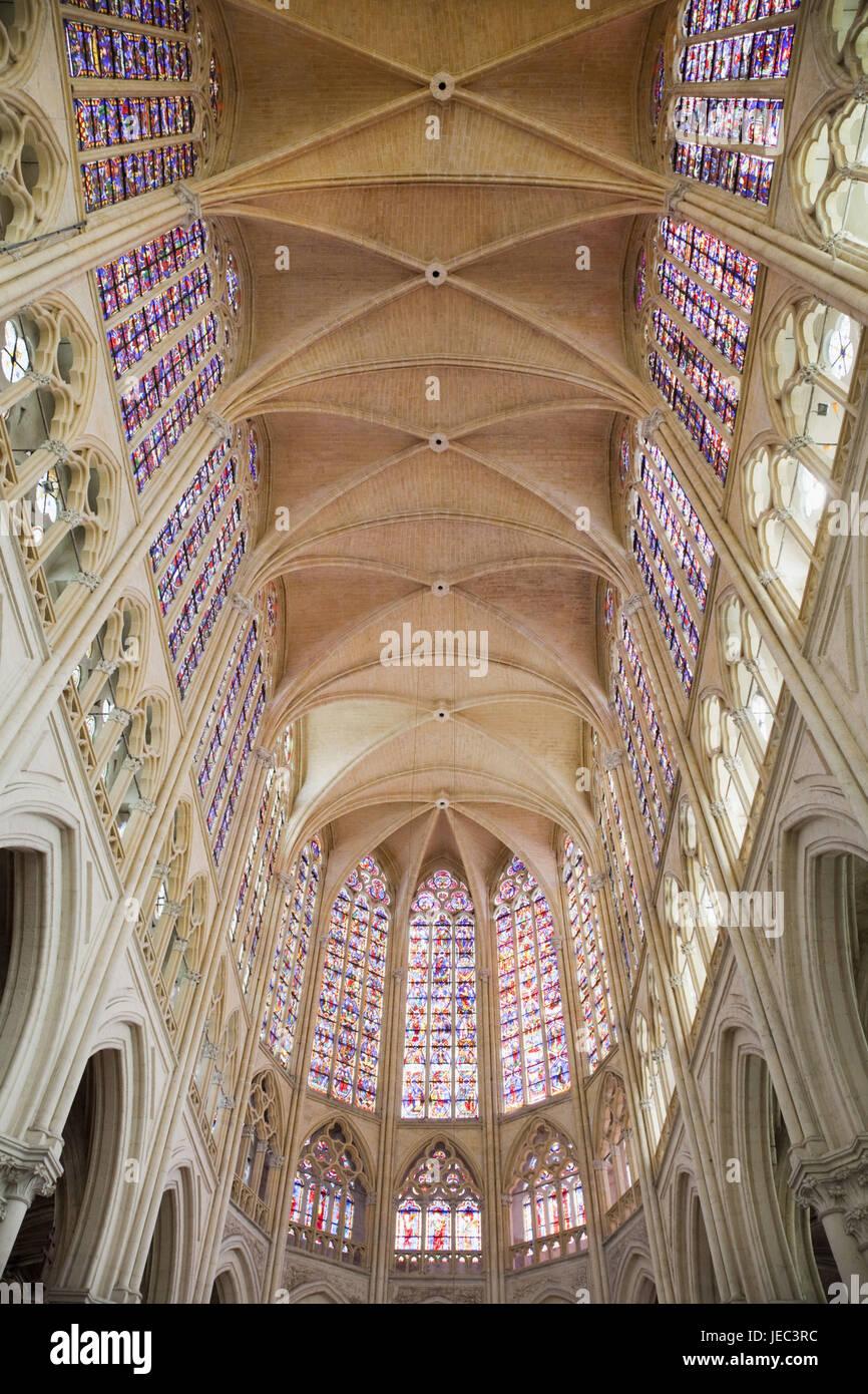 France, Loire valley, Tours, Cathedral Saint Gatien, interior shot, - Stock Image
