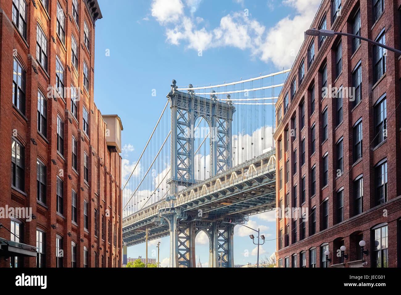 Manhattan Bridge seen from Dumbo, New York City, USA. - Stock Image
