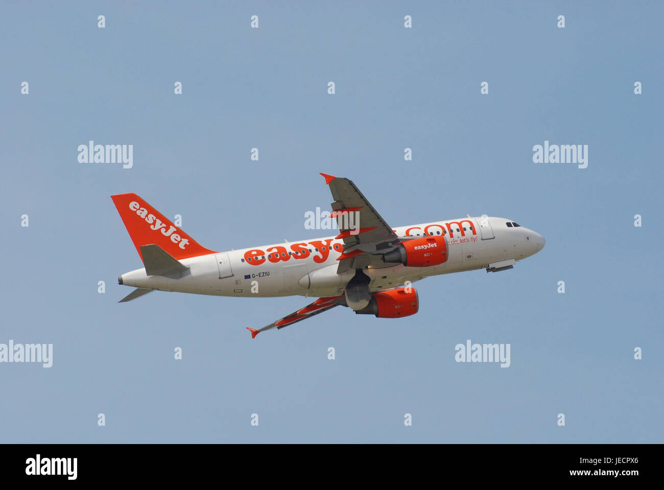 Air liner, airbus A319, easy jet, flight, no property release, civil aviation, airplane, traffic airplane, standard - Stock Image