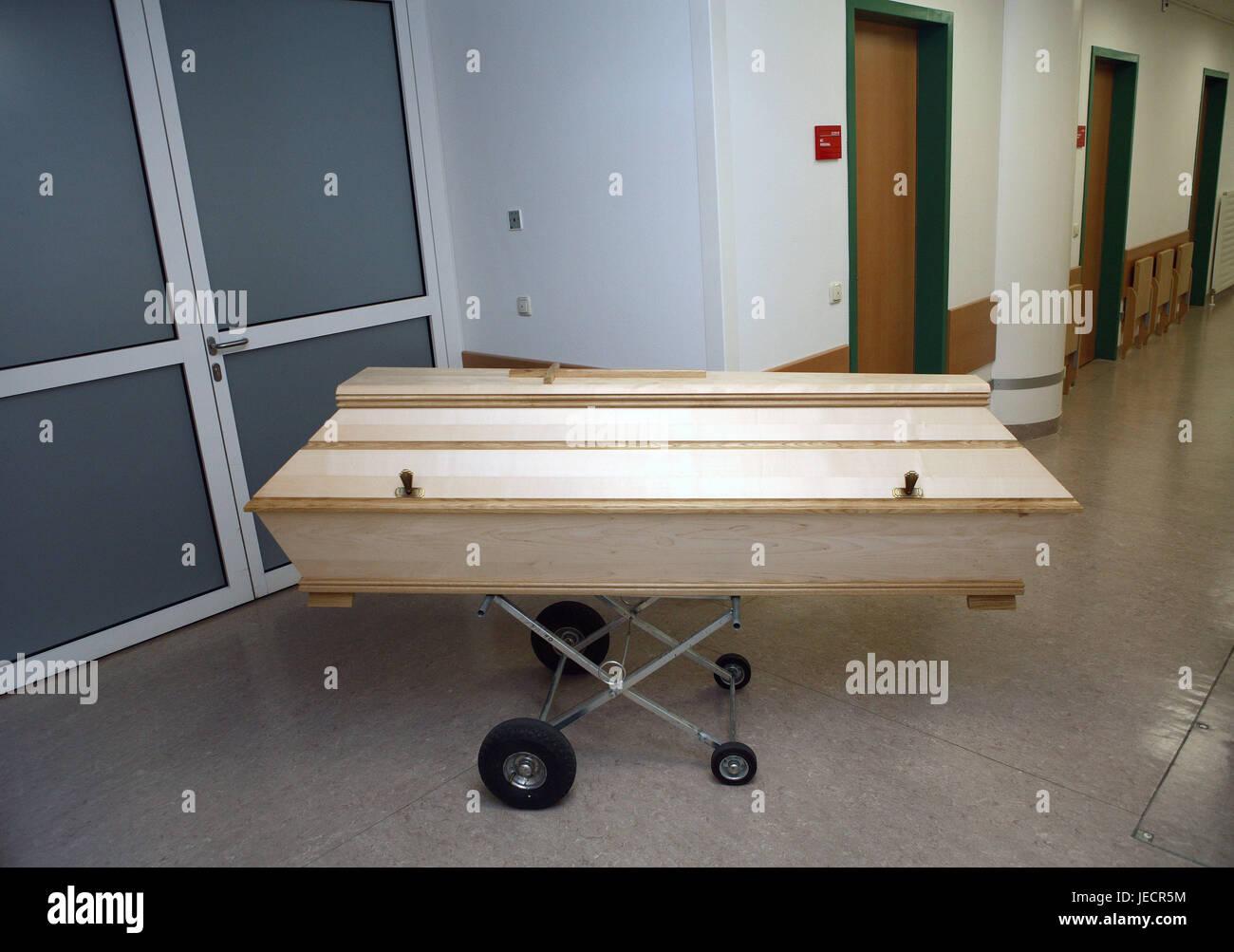 Hospital, pathological-anatomical department, Prosektur, hall, rolling carriage, coffin, overpass, medicine, hospital - Stock Image