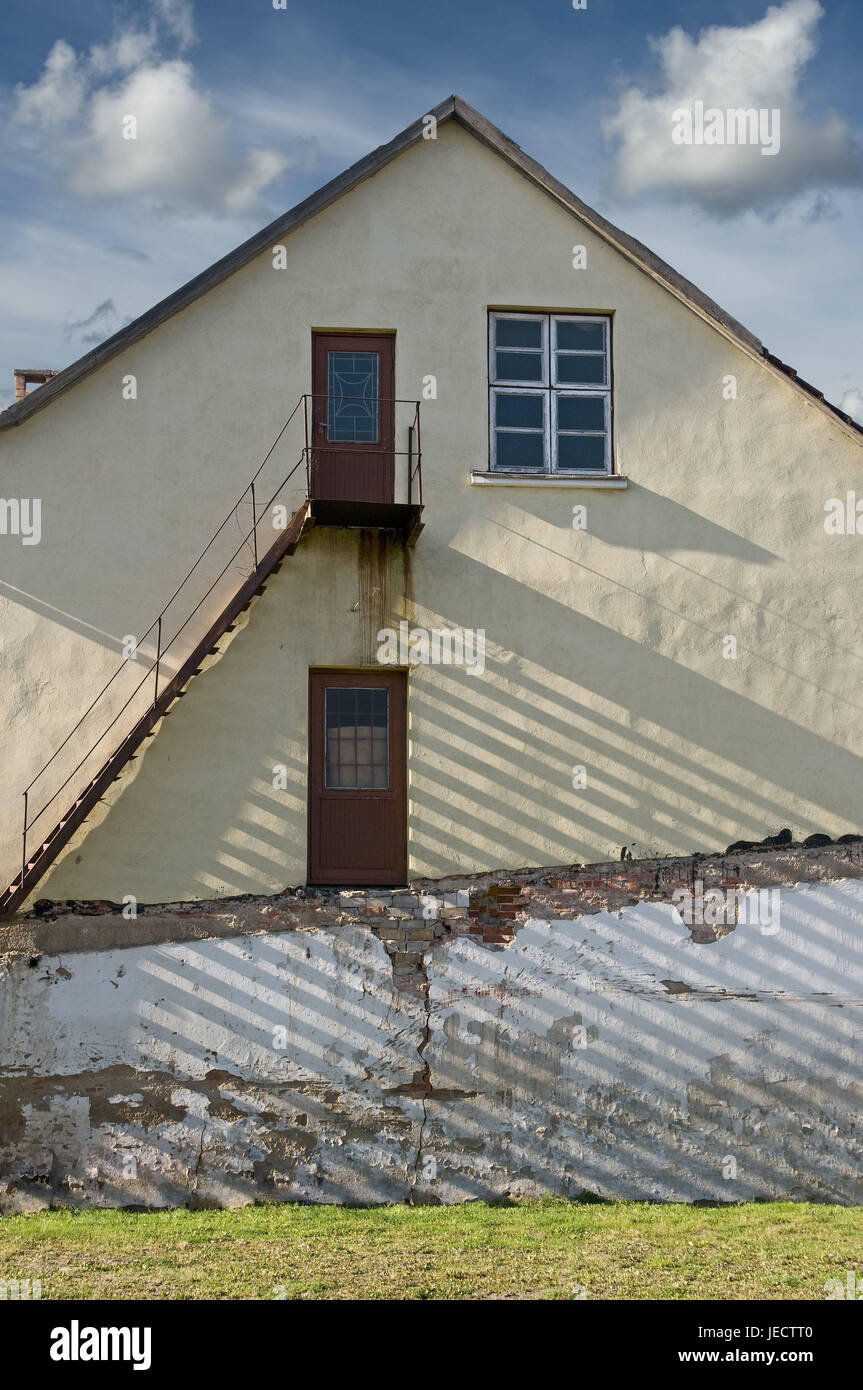 House, old, outside, conception, wall of a house, rusty, stairs, promotion, relegation, house defensive wall, defensive - Stock Image
