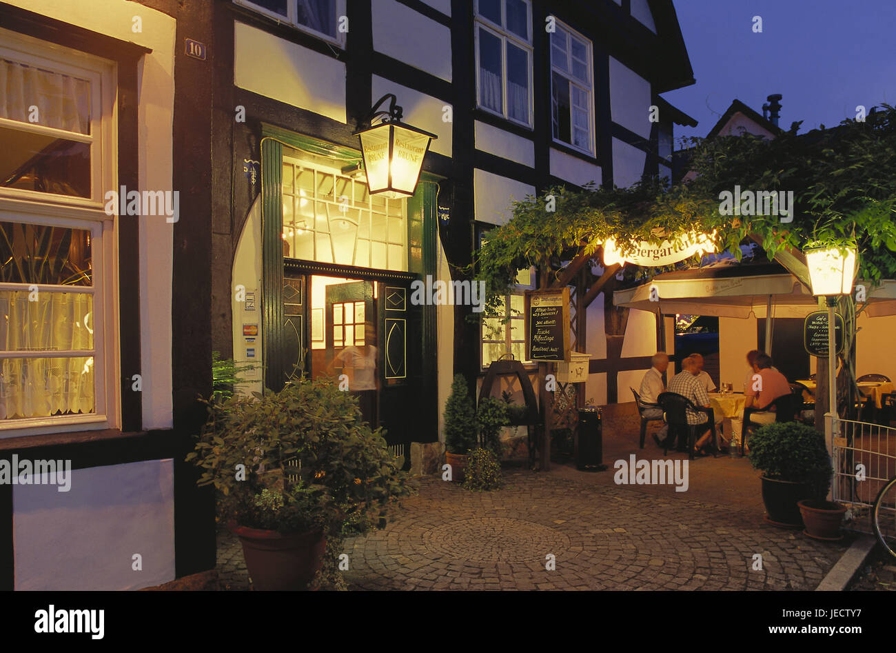 Germany, North Rhine-Westphalia, Halle, Old Town, restaurant, beer garden, evening, Westphalian, place of interest, - Stock Image