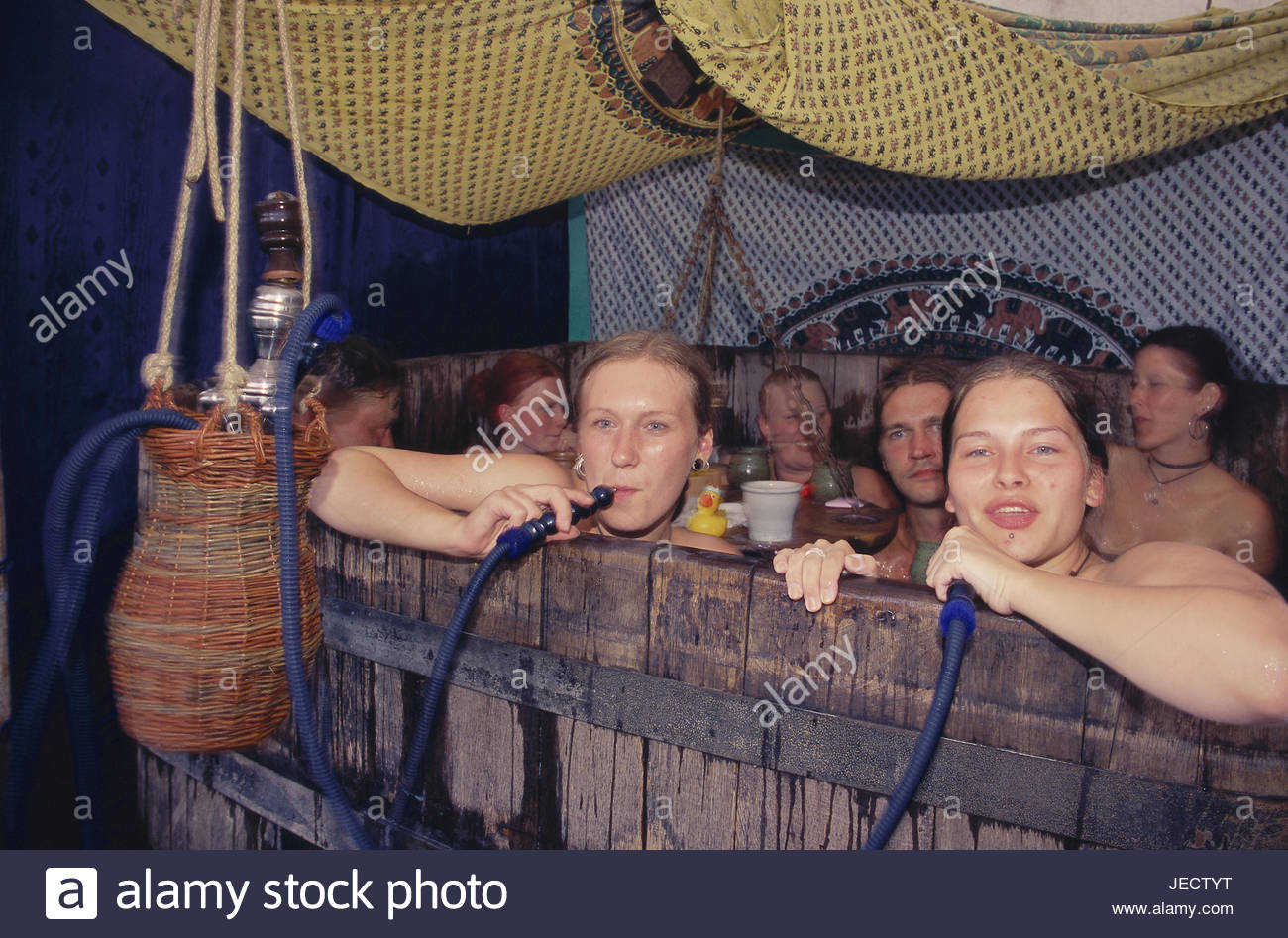 Germany, Lower Saxony, Bueckeburg, Medievally Spectaculum, Badezuber, men, women, have a bath, together, Weser mountainous Stock Photo