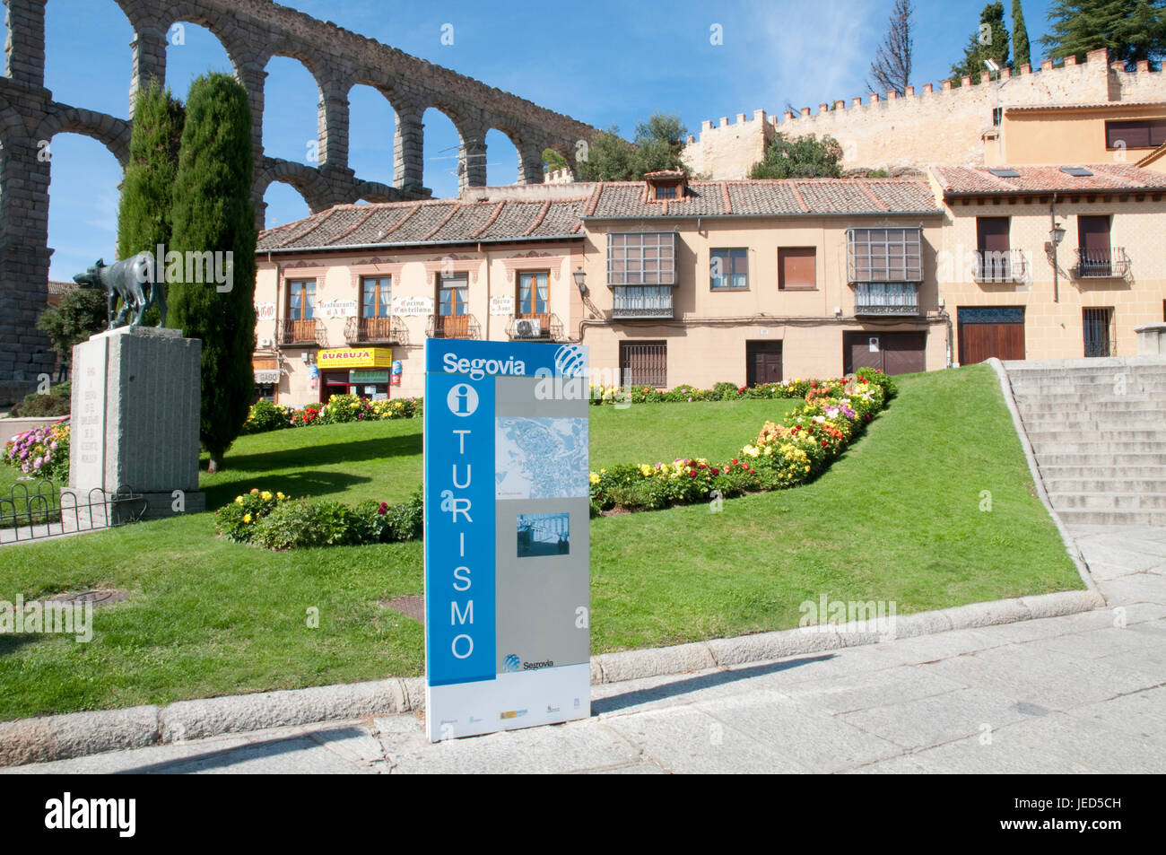 Tourist information and Roman aqueduct. Segovia, Spain. - Stock Image