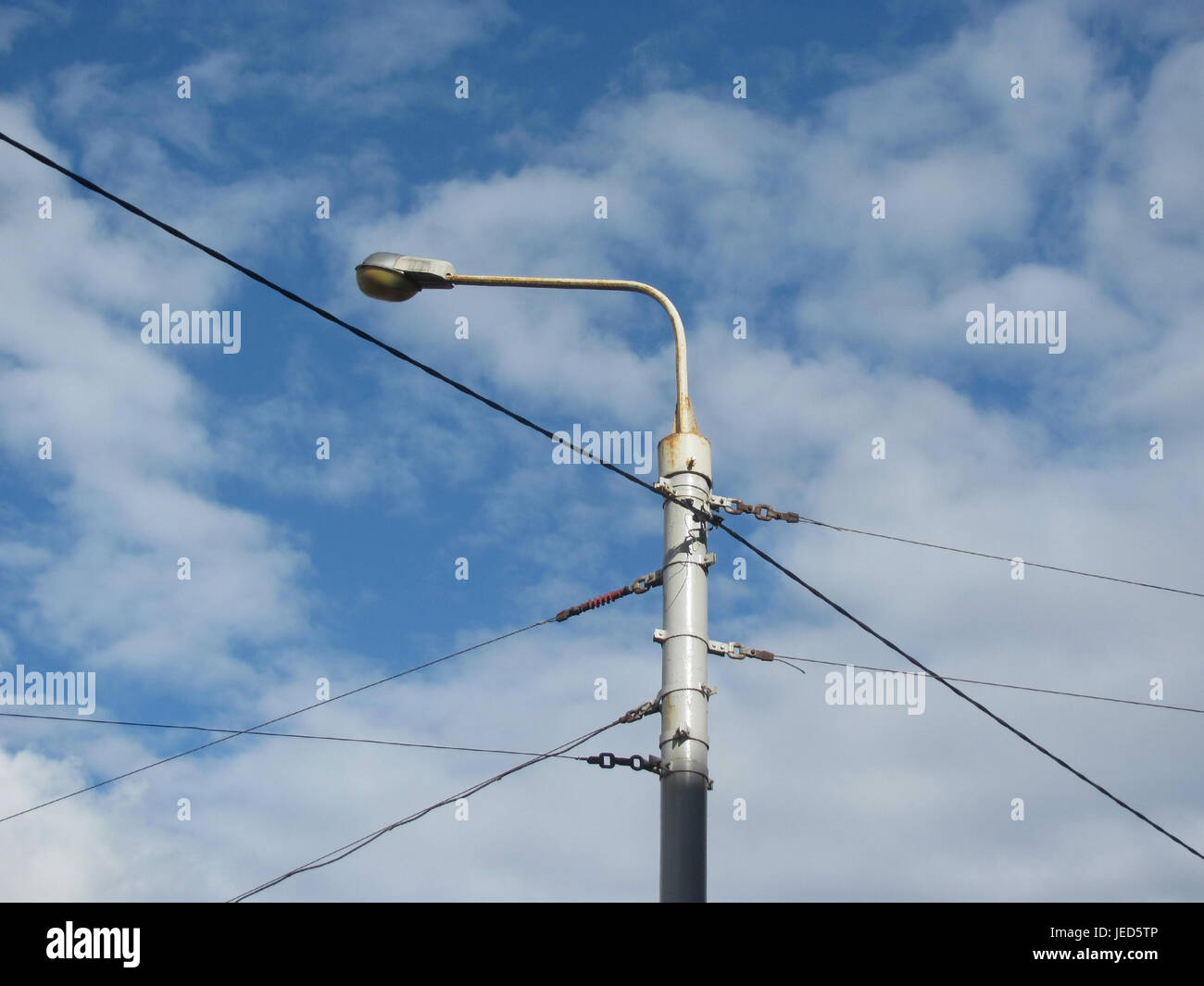 Mast Wires Stock Photos Images Alamy Wiring A Light Fixture Blue Wire Lighting Against The Sky Image