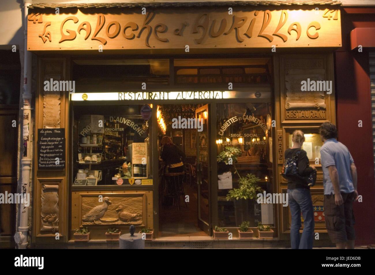 France, Paris, Rue de Laplander, bar 'Galoche d'Aurillac', guests, no model release, - Stock Image