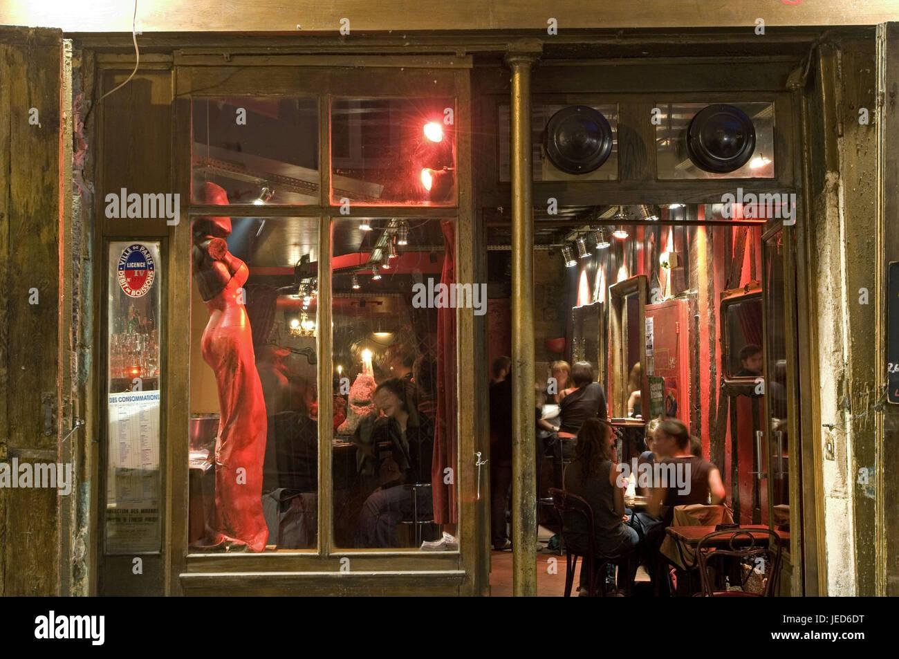 France, Paris, Rue de Laplander, bar, guests, no model release, - Stock Image