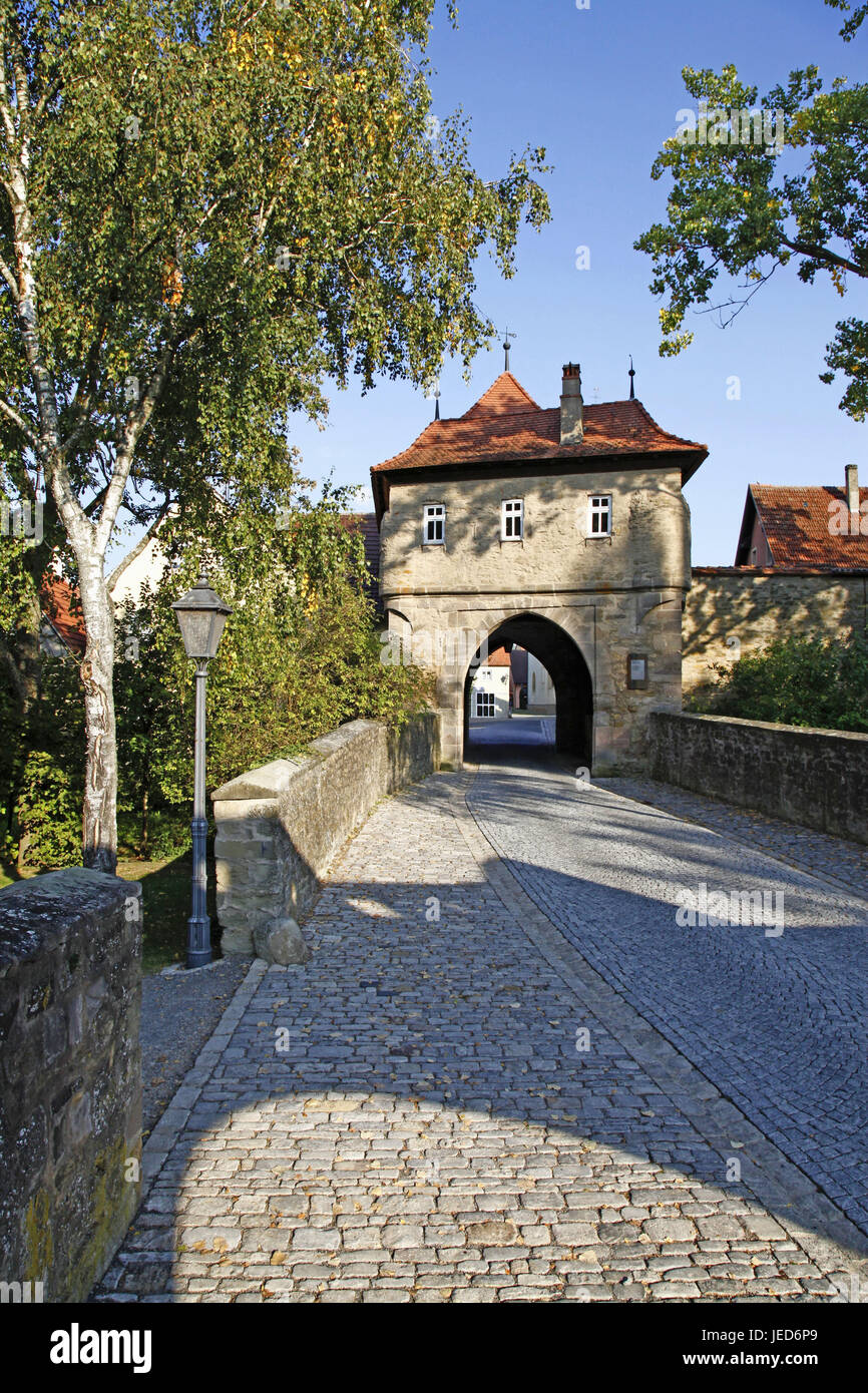Germany, Bavaria, Lower Franconia, Iphofen, Mainbernheimer gate, way through, goalkeeper's house, preopus, main - Stock Image