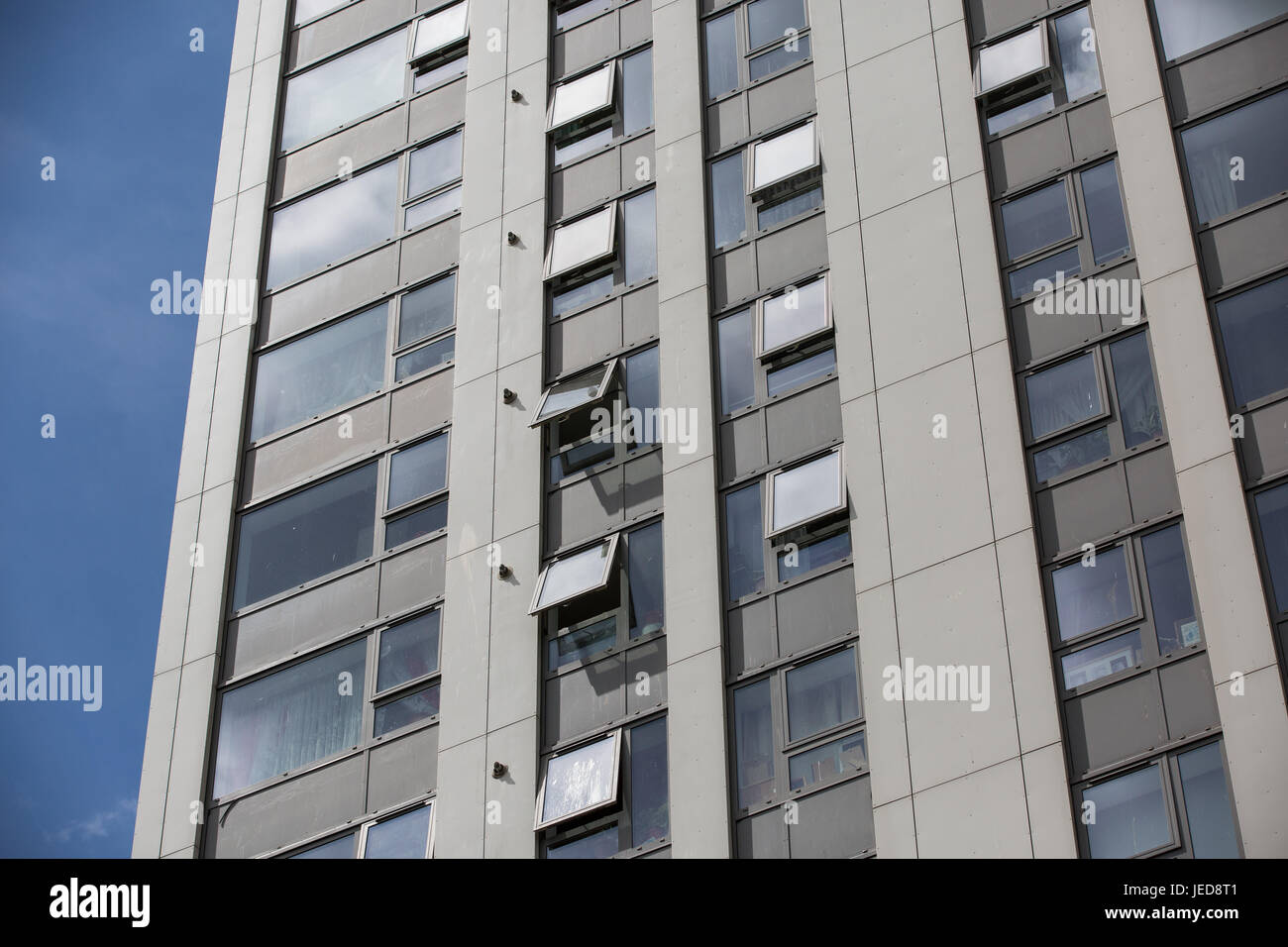 London, UK. 23rd June, 2017. Cladding panels on Taplow Tower on the Chalcots Estate in Camden. 600 households in - Stock Image