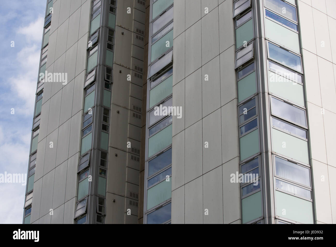 London, UK. 23rd June, 2017. Cladding panels on Blashford Tower in the Chalcots Estate in Camden. 600 households - Stock Image