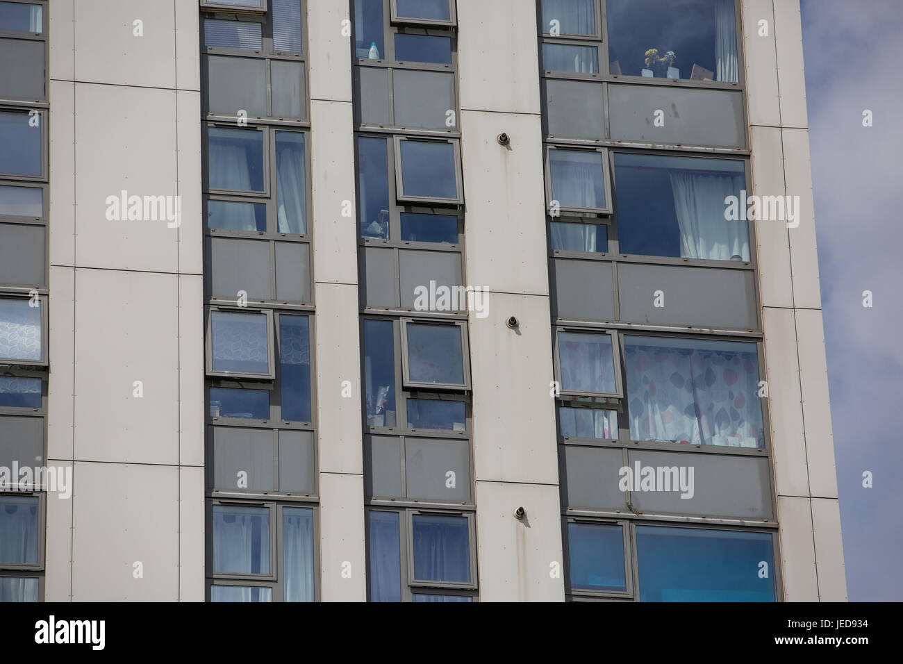 London, UK. 23rd June, 2017. Cladding panels on Dorney Tower in the Chalcots Estate in Camden. 600 households in Stock Photo