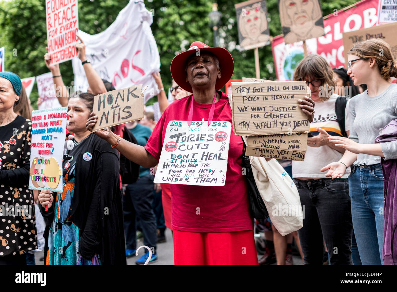 London, UK, 24th June 2017. Young people protest in front of Downing Street against the Tory government which is - Stock Image