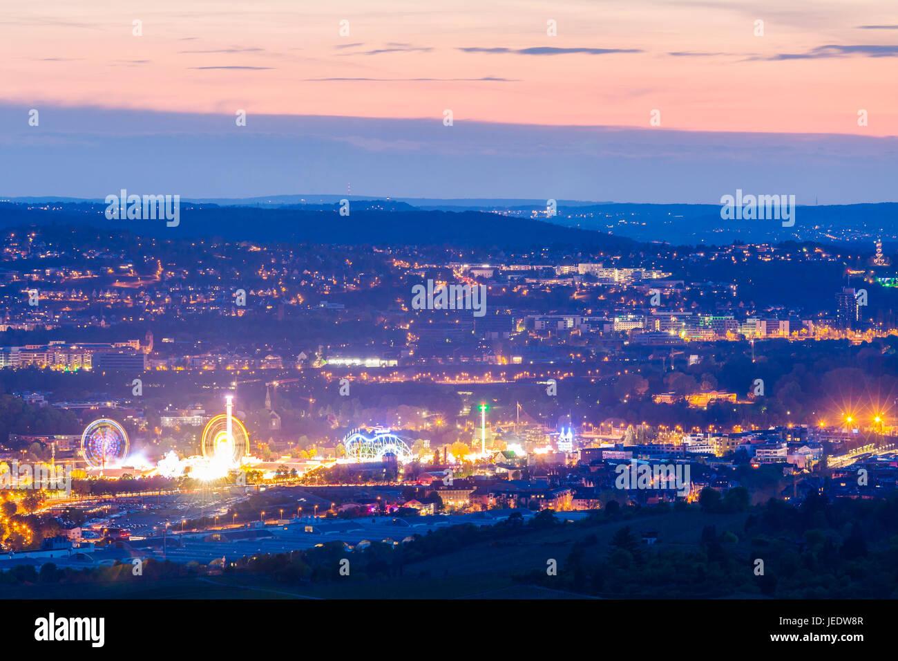 Deutschland, Baden-Württemberg, Stuttgart, Bad Cannstatt, Stadtansicht mit dem Cannstatter Volksfest, Cannstatter - Stock Image