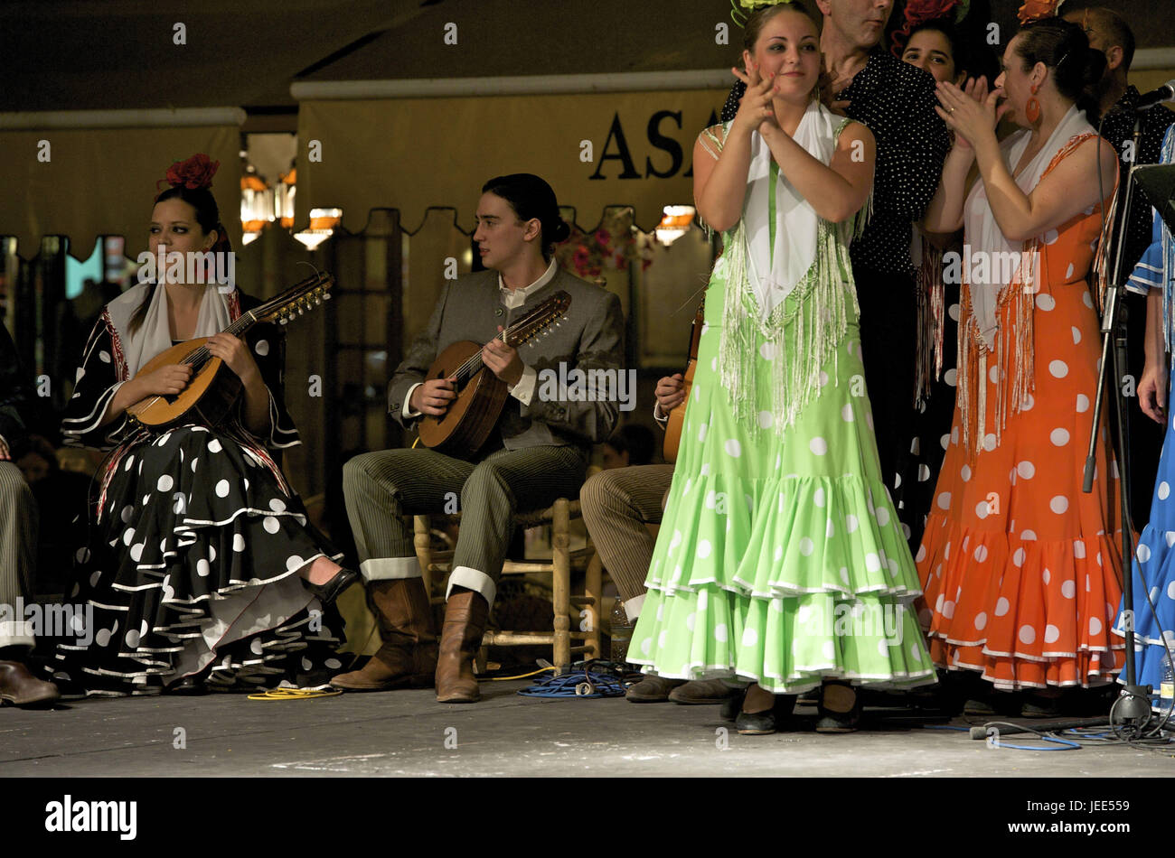 Spain, Andalusia, Granada, flamenco, mandolin player, - Stock Image