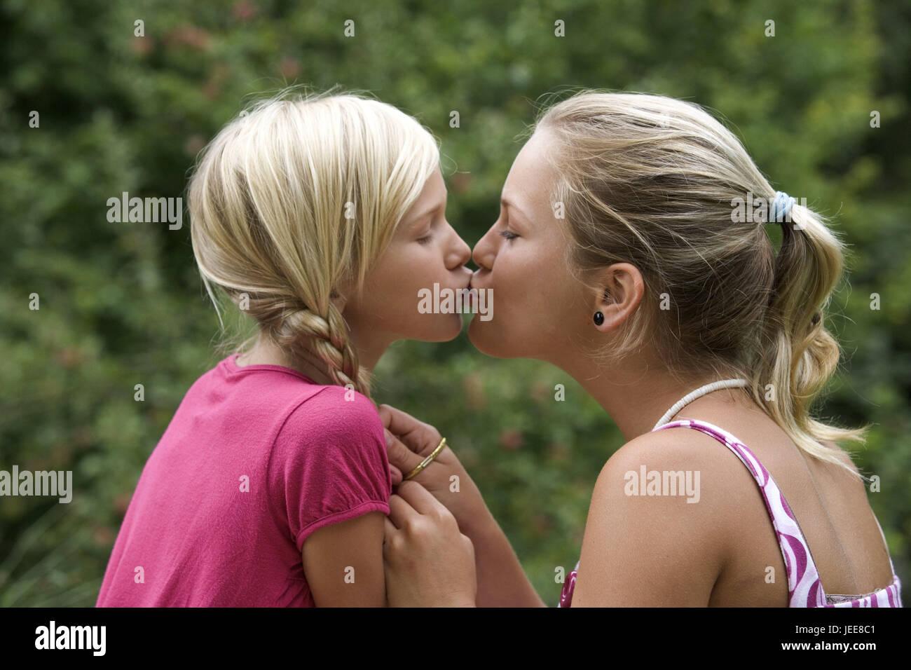 Blonde teen pictures
