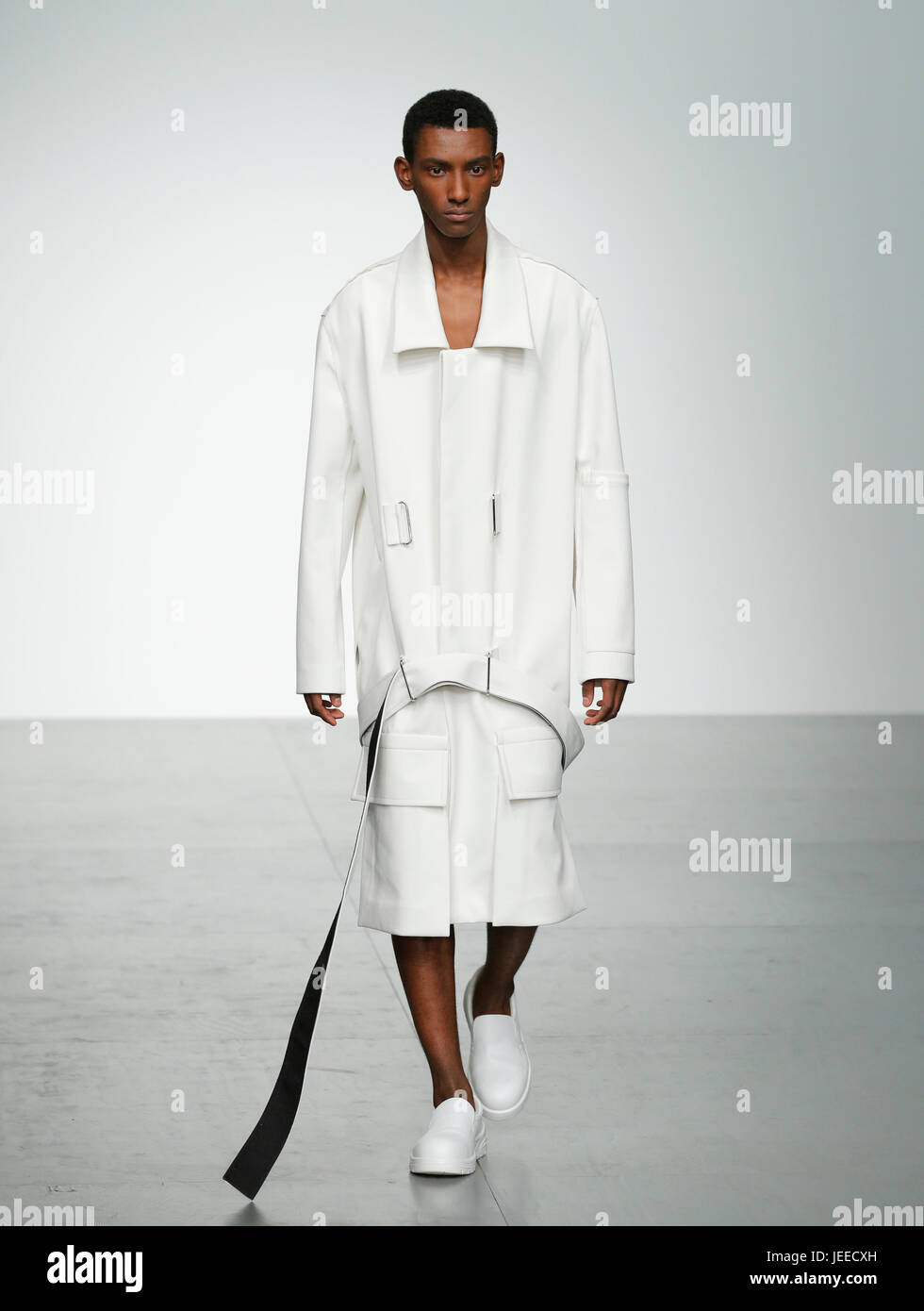 Pronounce Presented by GQ China catwalk show at London Fashion Week Mens SS18 Strand 180 British Fashion Council - Stock Image