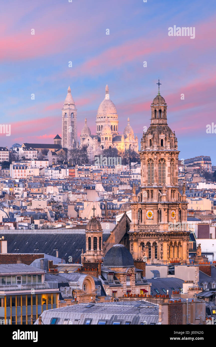 Sacre-Coeur Basilica at sunset in Paris, France - Stock Image